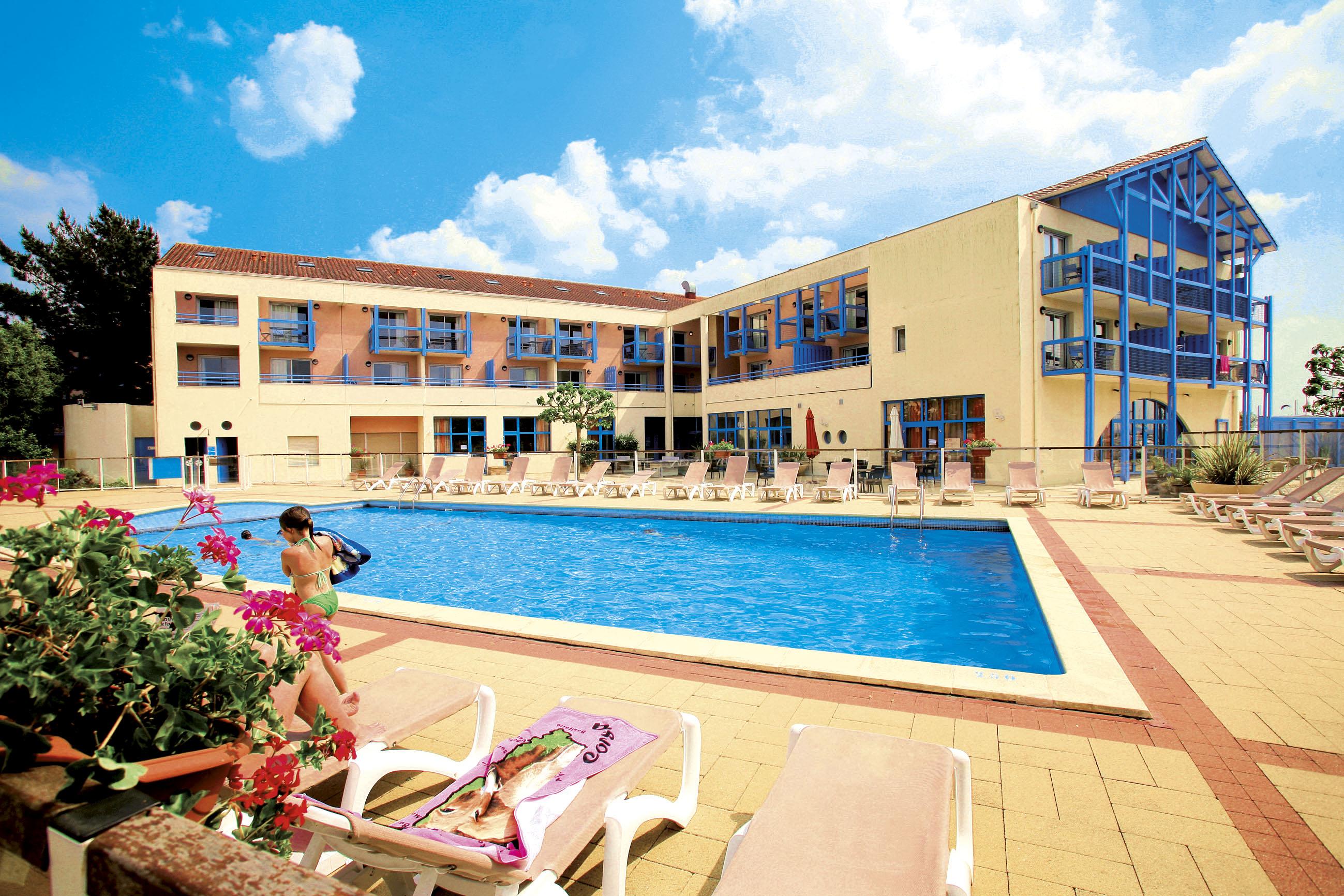 Odalys vacances r sidence du port hourtin tourisme for Piscine du port marchand