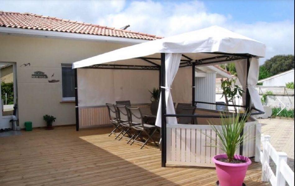 Petit-Dej-terrasse--800x600-.jpg
